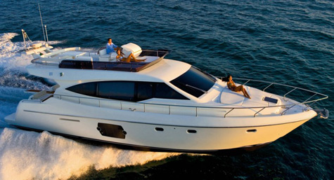 Ferretti 510 is designed to maximize all interior space.
