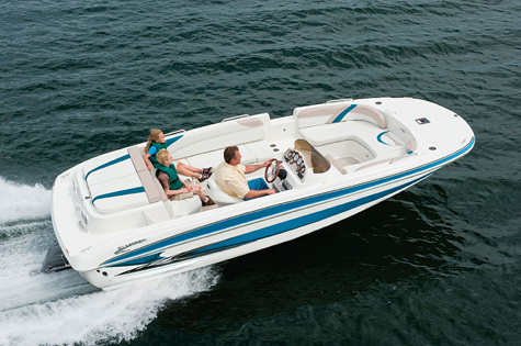 Glastron GT 205 Deckboat