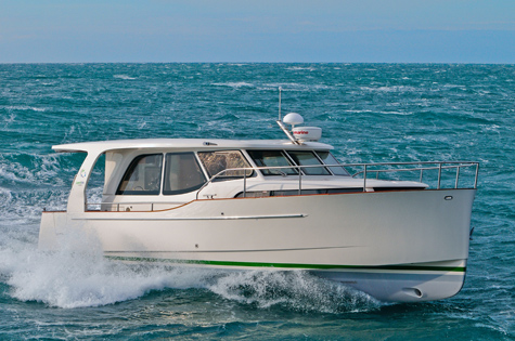 Greenline 33: The 10 Meter Hybrid Motor Yacht