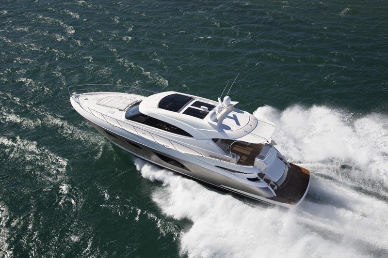 Riviera 6000 Sport Yacht Running